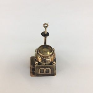 Jewelry - 14k Yellow Gold Antique House 🏡 Charm